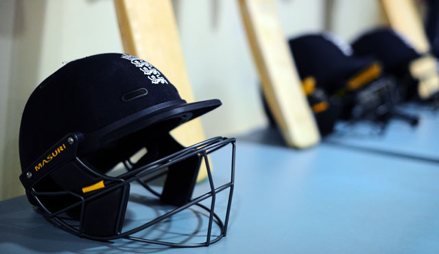 Design prize for bowlers' headgear