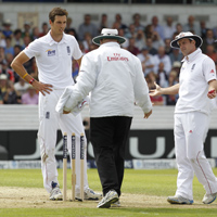 Steven Finn no ball