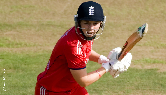 Heather Knight batting at Lord's in 2013