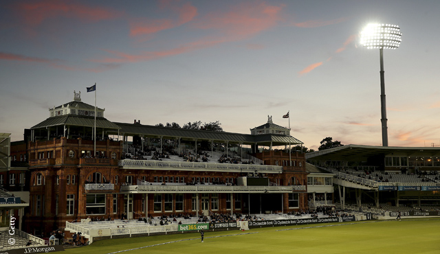 Middlesex face crucial day/night match