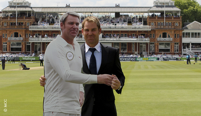 Shane Warne with a life-sized cut out model of himself