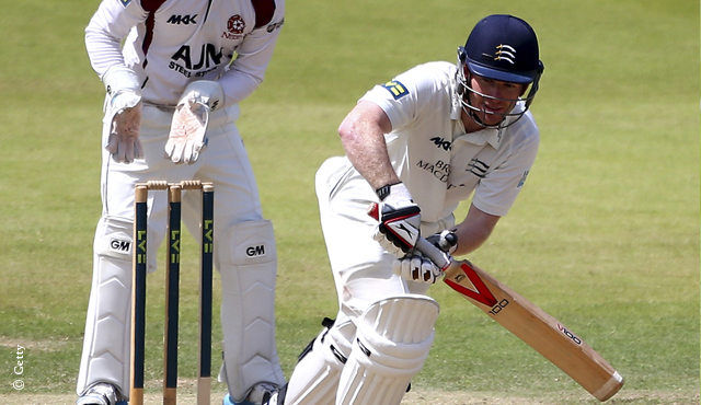 Eoin Morgan made 81 but Middlesex were frustrated