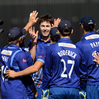 gloucestershire cricket celebrate a wicket