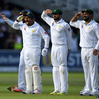 pakistan players salute