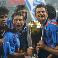 Sachin Tendulkar with the World Cup trophy